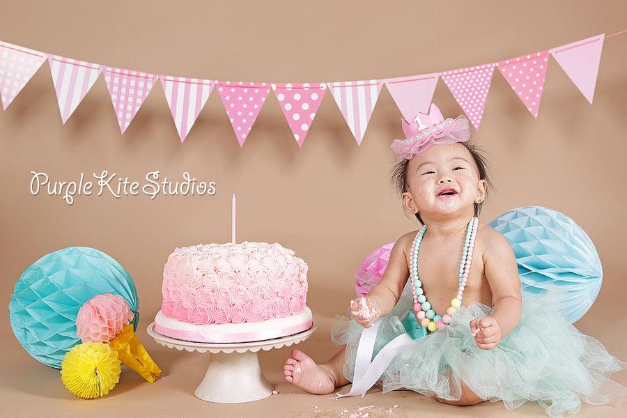 Kaethe's Cake Smash by Purple Kite Studios